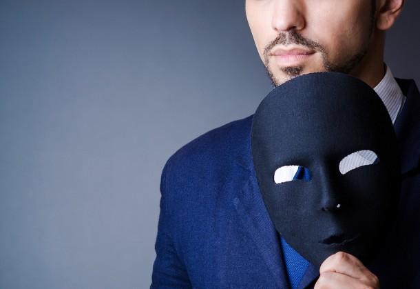 Filipino Dubai: Les Poseurs - Of Fakers, Fabwhores, & Brand Victims