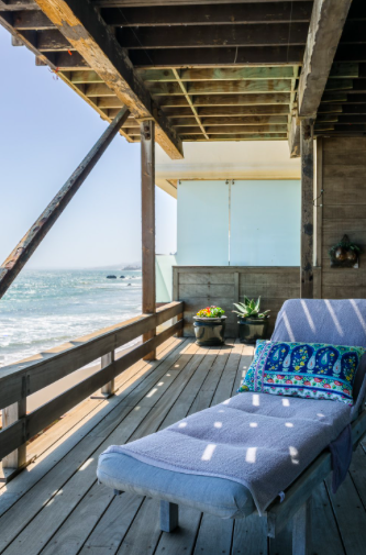 AirBnb Listings That Will Take Your Travel Experience to the Next Level